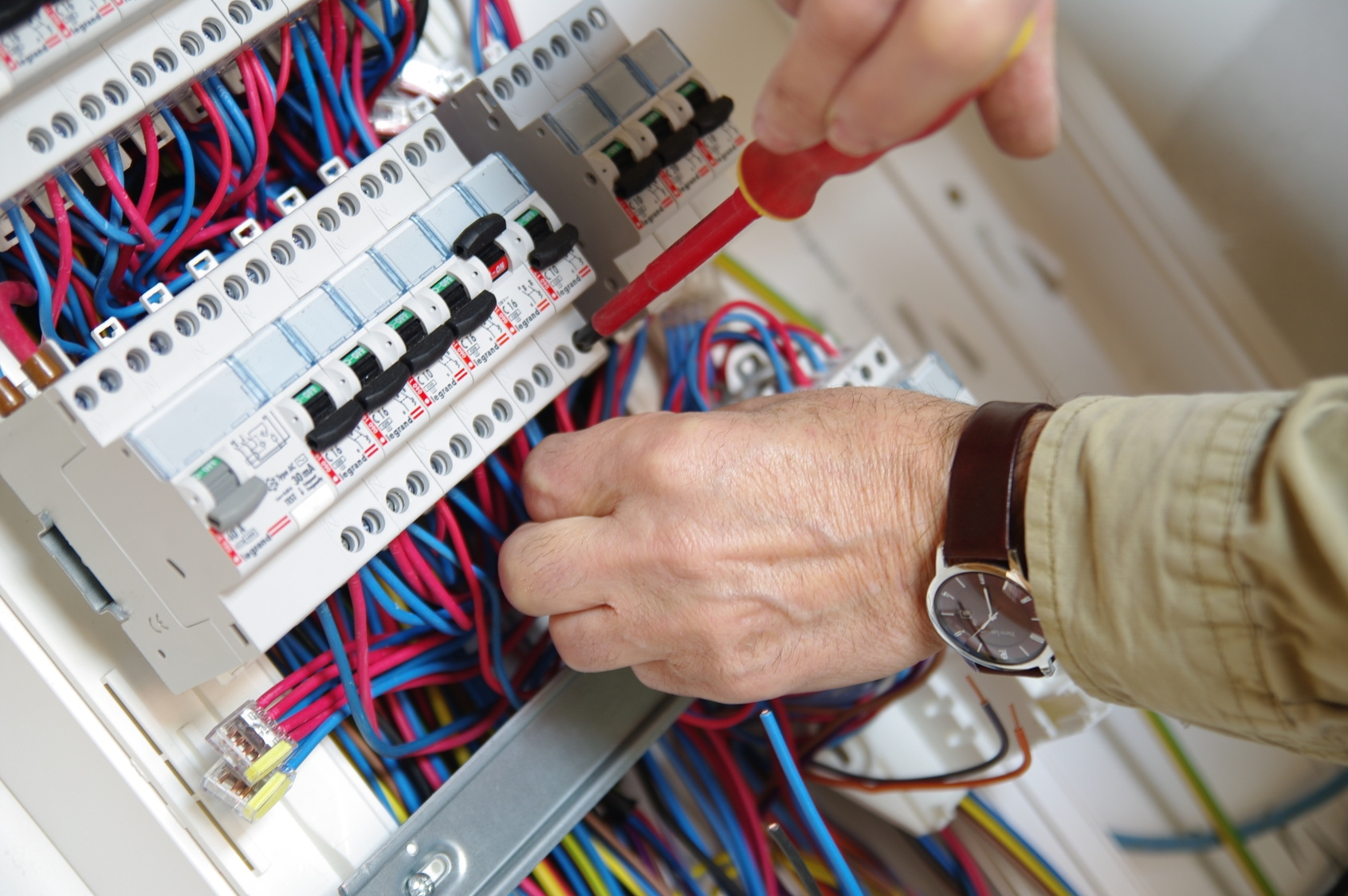 Photo représentant un tableau électrique
